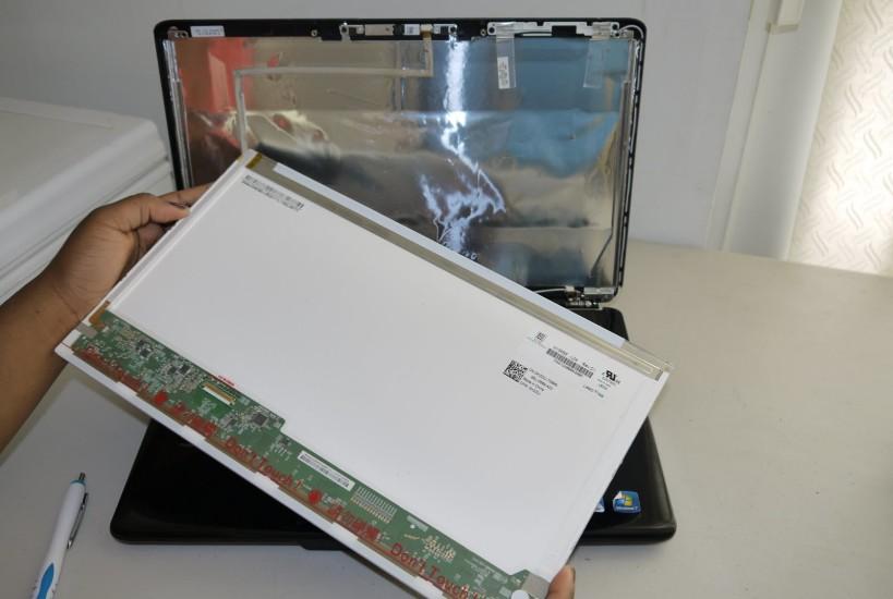 Turgutlu-laptop-ekran-degisimi