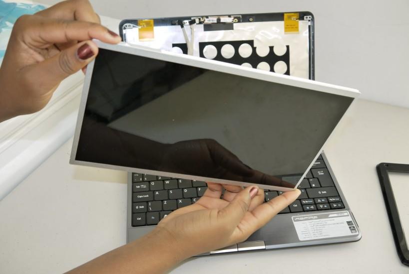 Turgutlu-notebook-ekran-degisimi